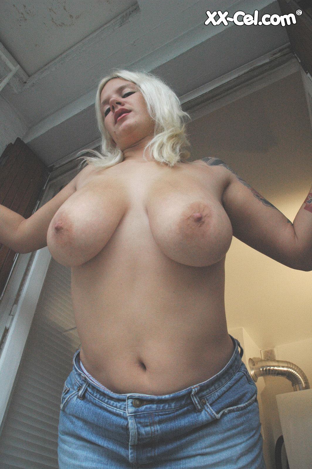 Big tits gals