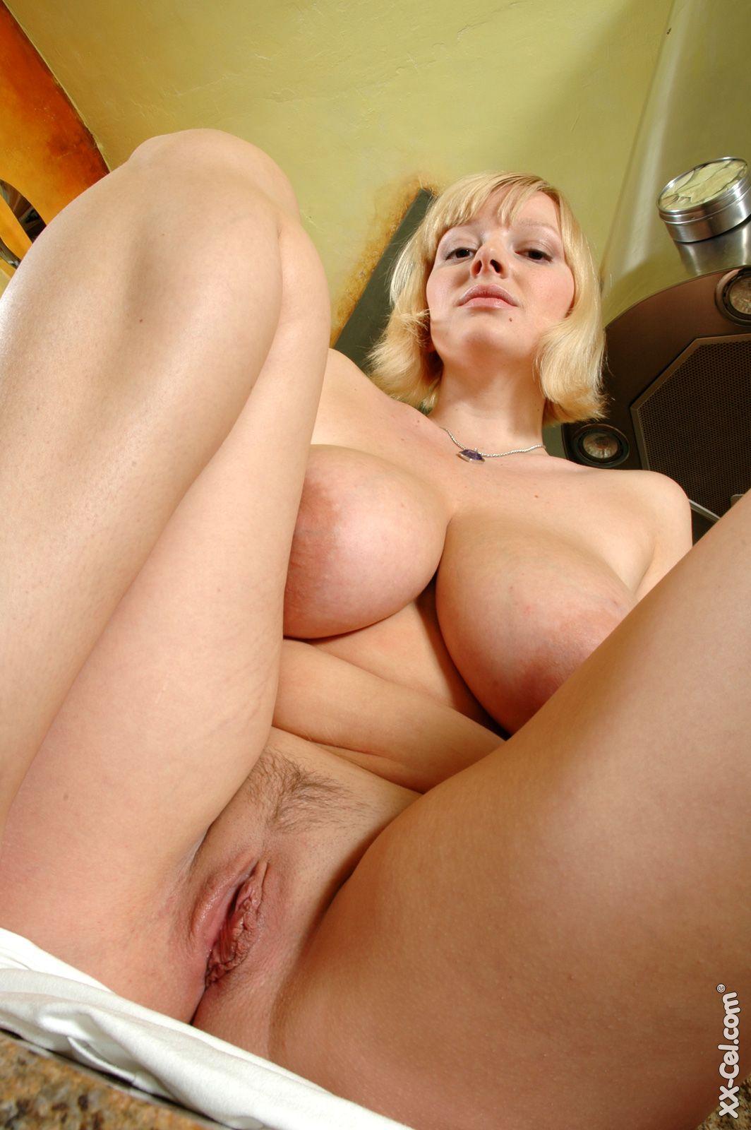 Big natural tit blonde